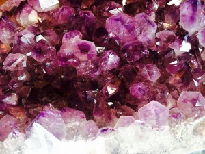 crystal-1405272_1280